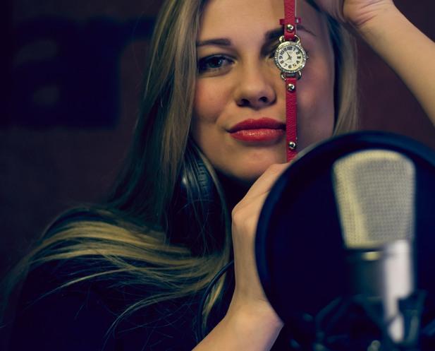 Певица Zорина
