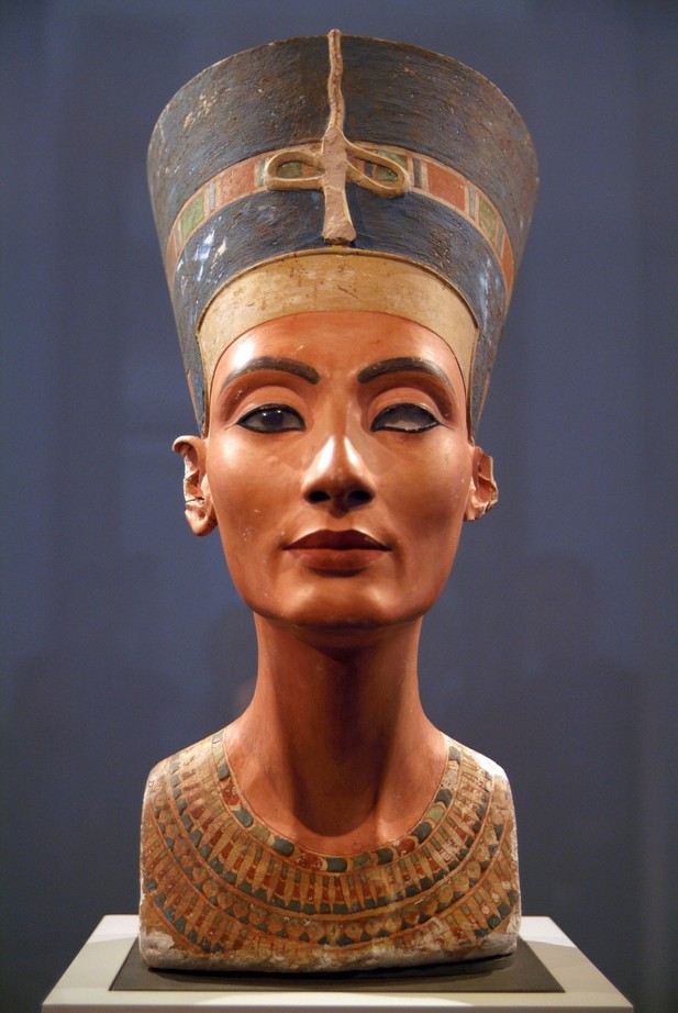 an introduction to the three important pharaohs thutmose iii nefertiti and senusret iii What were queen hatshepsut's major than cleopatra or nefertiti, hatshepsut was once egypt and thutmose iii becomes the sole pharaoh after 20.