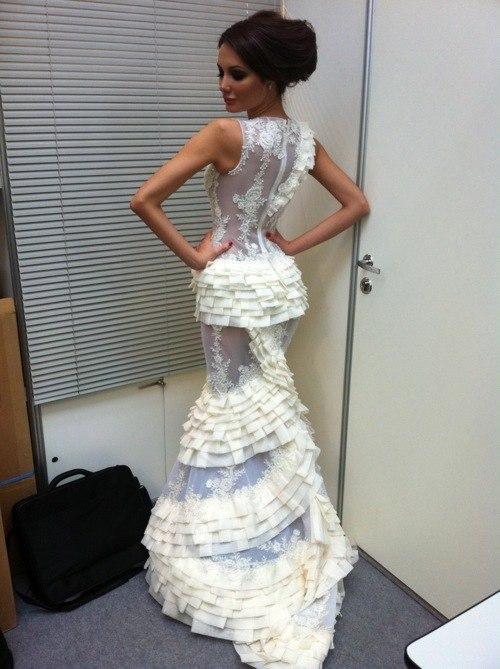 Изобр по > Шикарное Свадебное Платье 2012