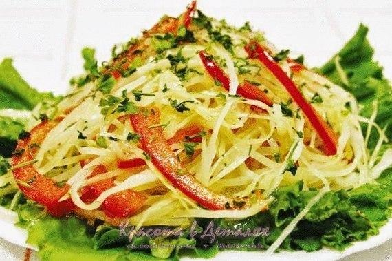 Витаминный салат из капусты перца и моркови рецепт