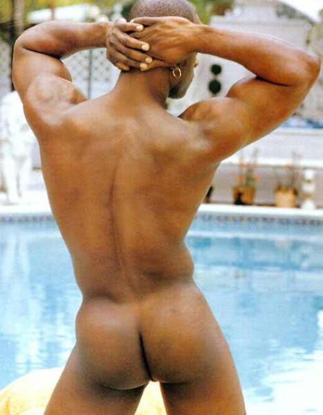 Мужские голые задницы