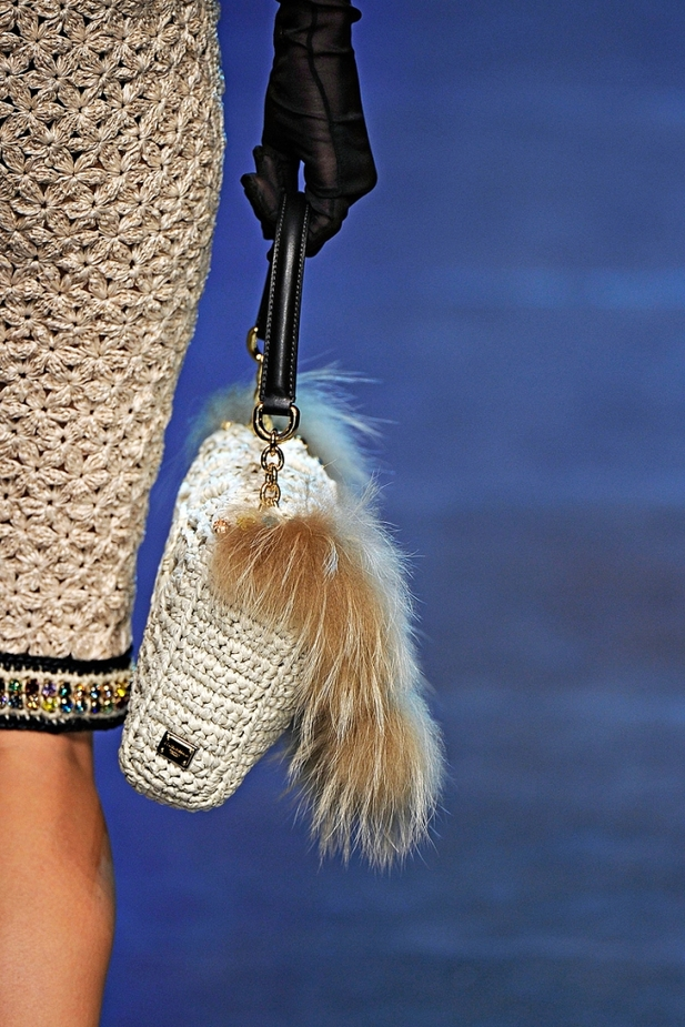Коллекция сумок на показе Dolce & Gabbana весна-лето 2012.
