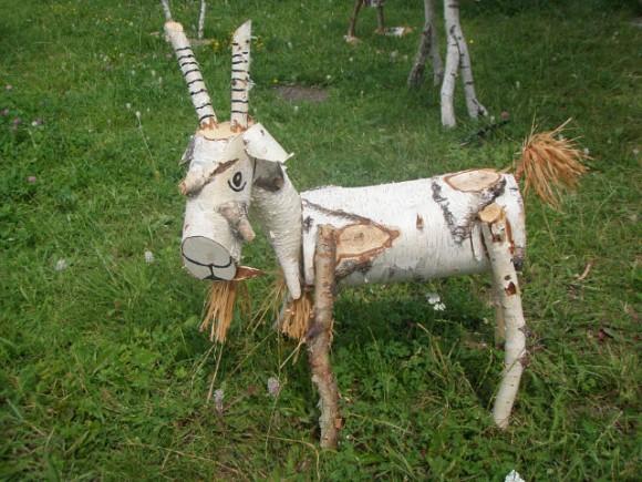 Лошадь из берёзы