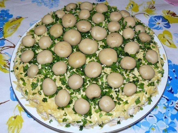 Грибная полянка салат рецепт с с шампиньонами и ветчиной