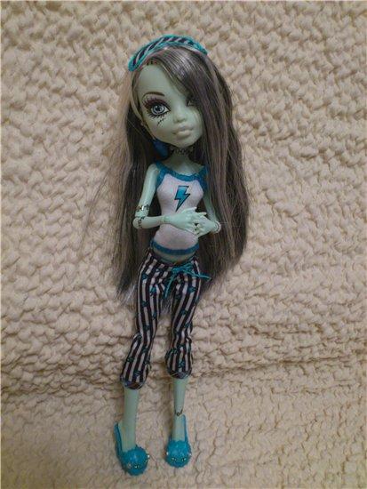 Пижама для кукол монстр хай своими руками фото