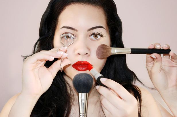 Как начинать пользоваться косметикой