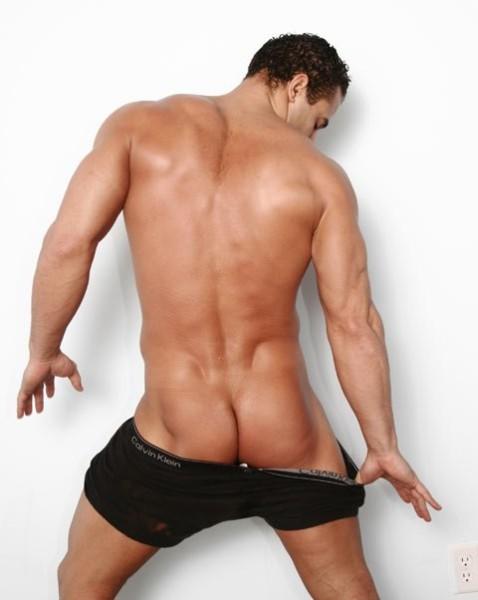 фото голых сексуальных мужских поп