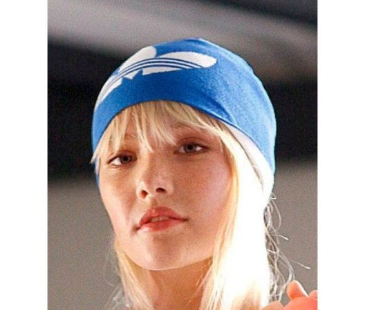 позавчера с мамой были на биг зе. в адидасе. купили мне шапочку пидорку...