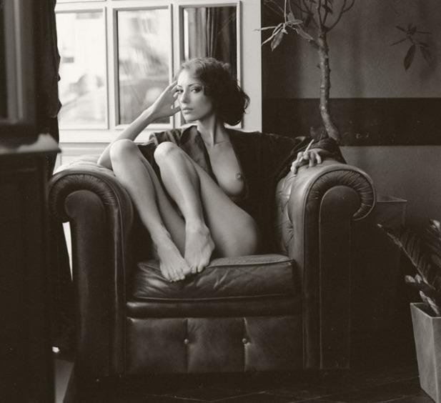 Вернуться к Фотограф Руслан Лобанов. Синьора в кресле. Посмотреть содержи