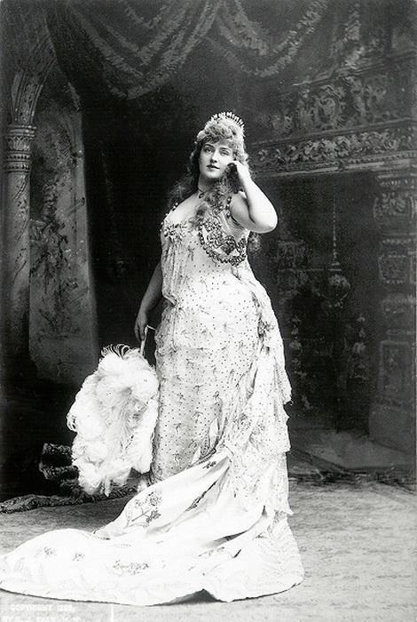 Дама 19 века секс