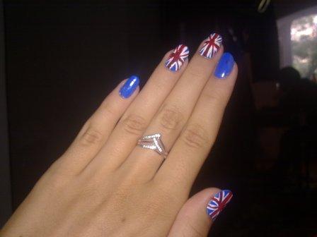 Мастер класс по британскому флагу на ногтях.